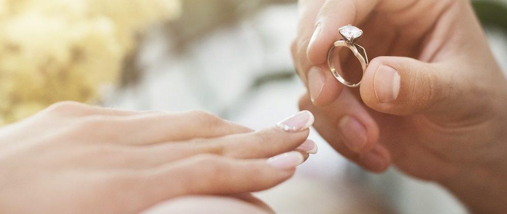 Verlobungsring Welche Hand in Deutschland